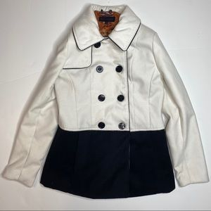 Steve Madden white and black double button coat